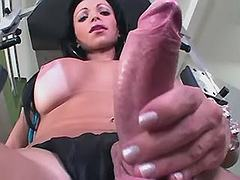 Two winsome shemales does blowjob